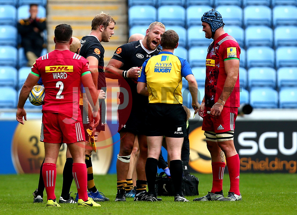 James Haskell of Wasps argues with the referee after being sin binned for fighting with Joe Marler of Harlequins - Mandatory by-line: Robbie Stephenson/JMP - 17/09/2017 - RUGBY - Ricoh Arena - Coventry, England - Wasps v Harlequins - Aviva Premiership