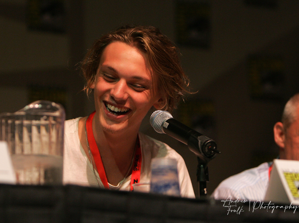 "Andrew Foulk/ Zuma Press.July 24, 2009, San Diego, California, USA. Jamie Campbell-Bower Comic Con. Actor ""Jamie Campbell-Bower"" of ""Sweeny Todd"" and ""Twilight""  fame talks about his upcoming show ""The Prisoner"" , during day two of the 40th annual San Diego International Comic Con."