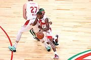 DESCRIZIONE : Milano NBA Global Games EA7 Olimpia Milano - Boston Celtics<br /> GIOCATORE : Oliver Lafayette<br /> CATEGORIA : Palleggio blocco<br /> SQUADRA :  Olimpia EA7 Emporio Armani Milano<br /> EVENTO : NBA Global Games 2016 <br /> GARA : NBA Global Games EA7 Olimpia Milano - Boston Celtics<br /> DATA : 06/10/2015 <br /> SPORT : Pallacanestro <br /> AUTORE : Agenzia Ciamillo-Castoria/IvanMancini<br /> Galleria : NBA Global Games 2016 Fotonotizia : NBA Global Games EA7 Olimpia Milano - Boston Celtics