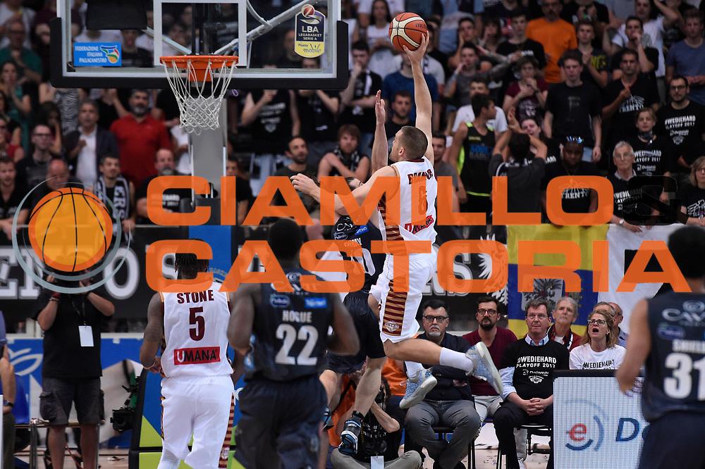 Michael Bramos<br /> Dolomiti Energia Aquila Basket Trento - Umana Reyer Venezia<br /> Lega Basket Serie A 2016/2017<br /> Playoff, finale gara 3<br /> Trento, 14/06/2017<br /> Foto M.Ceretti / Ciamillo-Castoria