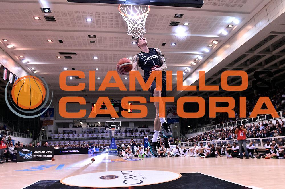 DESCRIZIONE : Trento Beko All Star Game 2016 Mini Slam Dunk Contest <br /> GIOCATORE : Micah Downs<br /> CATEGORIA : schiacciata sequenza<br /> SQUADRA : Pasta Reggia Caserta<br /> EVENTO : Beko All Star Game 2016<br /> GARA : Mini Slam Dunk Contest<br /> DATA : 10/01/2016<br /> SPORT : Pallacanestro <br /> AUTORE : Agenzia Ciamillo-Castoria/Max.Ceretti