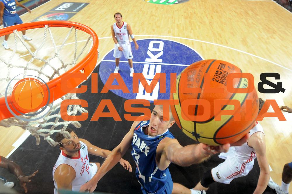 DESCRIZIONE : Championnat Du Monde 2010 Turquie Istanbul  1/8 Finale<br /> GIOCATORE : De Colo Nando<br /> SQUADRA : France<br /> EVENTO : Championnat du monde 2010<br /> GARA : France Turquie<br /> DATA : 5/09/2010<br /> CATEGORIA : Basketball Action Homme<br /> SPORT : Basketball<br /> AUTORE : JF Molliere FFBB par Agenzia Ciamillo-Castoria <br /> Galleria : France Basket Championnat du monde 2010<br /> Fotonotizia : Championnat du monde Turquie Istambul Jour 9<br /> Predefinita :