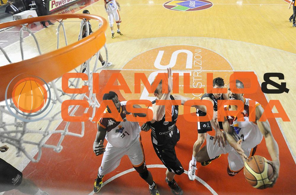 DESCRIZIONE: Roma Lega A 2012-13 Acea Virtus Roma Oknoplast Bologna<br /> GIOCATORE : Jordan Taylor<br /> CATEGORIA : special penetrazione tiro<br /> SQUADRA : Acea Virtus Roma<br /> EVENTO : Campionato Lega A 2012-2013 <br /> GARA : Acea Virtus Roma Oknoplast Bologna<br /> DATA : 24/03/2013<br /> SPORT : Pallacanestro <br /> AUTORE : Agenzia Ciamillo-Castoria/N. Dalla Mura<br /> Galleria : Lega Basket A 2012-2013  <br /> Fotonotizia : Roma Lega A 2012-13 Acea Virtus Roma Oknoplast Bologna