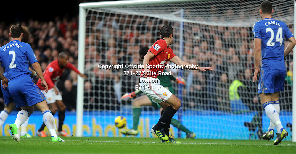 28/10/2012 - Barclays Premier League Football - 2012-2013 - Chelsea v Manchester United - Robin Van Persie scores the first goal of the game fo United.. - Photo: Charlie Crowhurst / Offside.