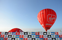 Virgin Money hot air balloon<br /> The Virgin Money London Marathon 2014<br /> 13 April 2014<br /> Photo: Javier Garcia/Virgin Money London Marathon<br /> media@london-marathon.co.uk