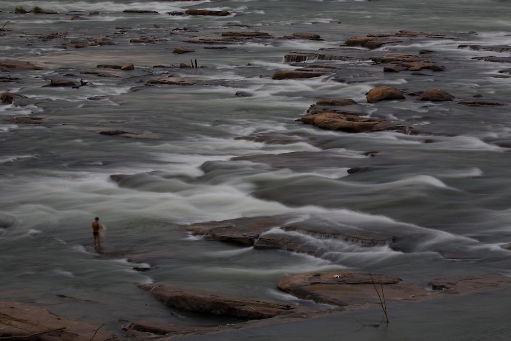 Pirapora_MG, Brasil...Rio Sao Francisco, o rio da integracao nacional. ..The Sao Francisco river, It is an important river for Brazil, called the river of national integration. ..Foto: JOAO MARCOS ROSA /  NITRO