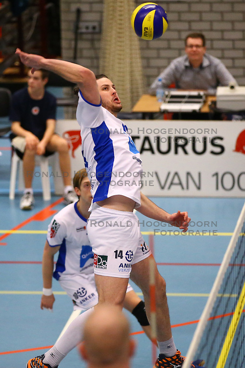 20160109 NED: Volleybal: SV Land Taurus - Abiant Lycurgus, Houten<br />Jacob Guymer of Abiant Lycurgus
