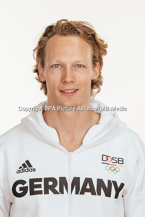 Tobias Scherbarth poses at a photocall during the preparations for the Olympic Games in Rio at the Emmich Cambrai Barracks in Hanover, Germany, taken on 19/07/16 | usage worldwide