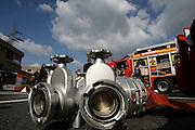 Mannheim. Käfertal. Wache Nord. Tag der offenen Tür bei der Feuerwehr. Die Feuerwehr lädt ein. Spezialfahrzeuge verschiedener Wehren und Firmenfeuerwehren werden gezeigt. Die Metropolregion als Grenzübergreifend. <br /> <br /> <br /> Bild: Markus Proßwitz<br /> <br /> ++++ Archivbilder und weitere Motive finden Sie auch in unserem OnlineArchiv. www.masterpress.org ++++