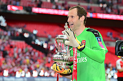 Arsenal's Peter Cech celebrates beating Chelsea in the FA Cup final  - Mandatory by-line: Dougie Allward/JMP - 27/05/2017 - FOOTBALL - Wembley Stadium - London, England - Arsenal v Chelsea - Emirates FA Cup Final