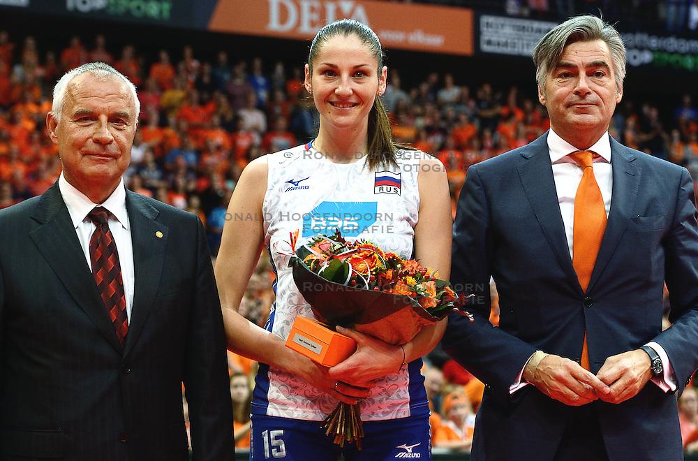 04-10-2015 NED: Volleyball European Championship Final Nederland - Rusland, Rotterdam<br /> Nederland verliest kansloos met 3-0 van het sterke Rusland / Tatiana Kosheleva #15
