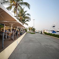Restaurante Conévés no CNL (Clube Náutico de Luanda) na Ilha de Luanda, Angola