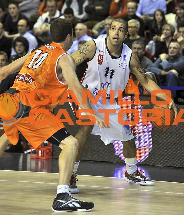 DESCRIZIONE : Championnat de France Basket Ligue Pro A  au Mans<br /> GIOCATORE : Blake Schilb<br /> SQUADRA : Chalon<br /> EVENTO : Ligue Pro A  2010-2011<br /> GARA : Le Mans Chalon<br /> DATA : 30/10/2010<br /> CATEGORIA : Basketbal France Ligue Pro A<br /> SPORT : Basketball<br /> AUTORE : JF Molliere/Herve Petitbon par Agenzia Ciamillo-Castoria <br /> Galleria : France Basket 2010-2011 Action<br /> Fotonotizia : Championnat de France Basket Ligue Pro A au Mans<br /> Predefinita :