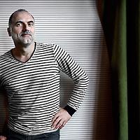 Nederland, Amsterdam , 15 april 2013..Leo Blokhuis  is een Nederlands expert op het gebied van popmuziek. Hij is grafisch ontwerper van beroep maar bovendien werkzaam als samensteller van diverse radioprogramma's en presentator van televisieprogramma's en schrijver van artikelen voor Revolver, Nieuwe Revu en Vara TV Magazine. Hij presenteert wekelijks een radioprogramma op KX Radio..Foto:Jean-Pierre Jans
