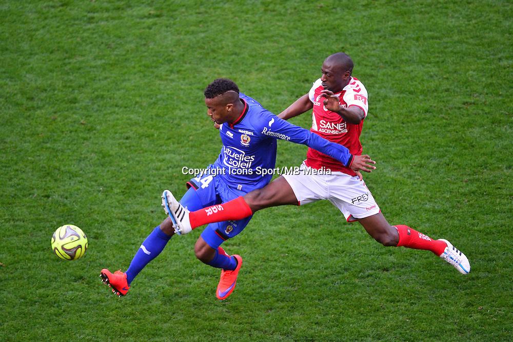 Alassane PLEA / Mohamed FOFANA - 12.04.2015 - Reims / Nice - 32eme journee de Ligue 1 <br />Photo : Dave Winter / Icon Sport