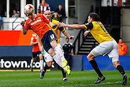Mark Cullen of Luton Town heads goalwards during the Sky Bet League 2 match at Kenilworth Road, Luton<br /> Picture by David Horn/Focus Images Ltd +44 7545 970036<br /> 25/10/2014