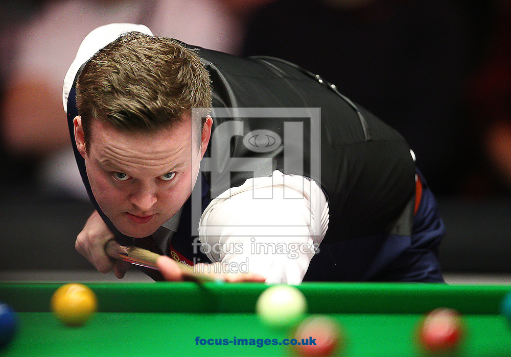 Picture by Paul Terry/Focus Images Ltd +44 7545 642257<br /> 18/01/2014<br /> Shaun Murphy plays a shot during the The Masters semi final at Alexandra Palace, London.