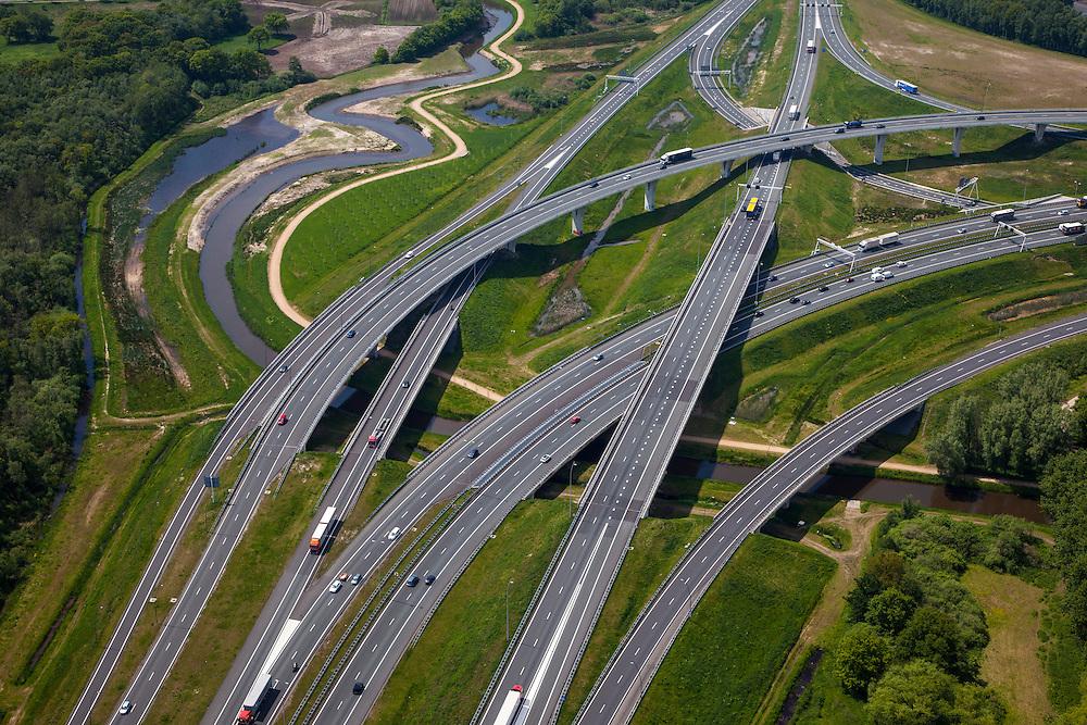 Nederland, Noord-Brabant, Eindhoven, 27-05-2013; Randweg Eindhoven. Knooppunt De Hogt, verkeersknooppunt, aansluiting autosnelweg A2 en autoweg N2 op de A67. Kenmerkend zijn de fly-overs, ook over het riviertje De Dommel. <br /> View on traffic junction near Eindhoven, A67 cconnecting one of the main motorways of the Netherlands A2 and crossing the river Dommel. <br /> luchtfoto (toeslag op standard tarieven);<br /> aerial photo (additional fee required);<br /> copyright foto/photo Siebe Swart.