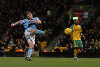 Photo: Ashley Pickering.<br />Norwich City v Hull FC. Coca Cola Championship. 25/11/2006.<br />Michael Turner scores the equaliser for Hull