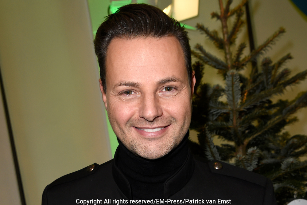 De 8e editie van Sky Radio's goede doelen-event Christmas Tree For Charity in The College Hotel, Amsterdam.<br /> <br /> Op de foto:  Fred van Leer