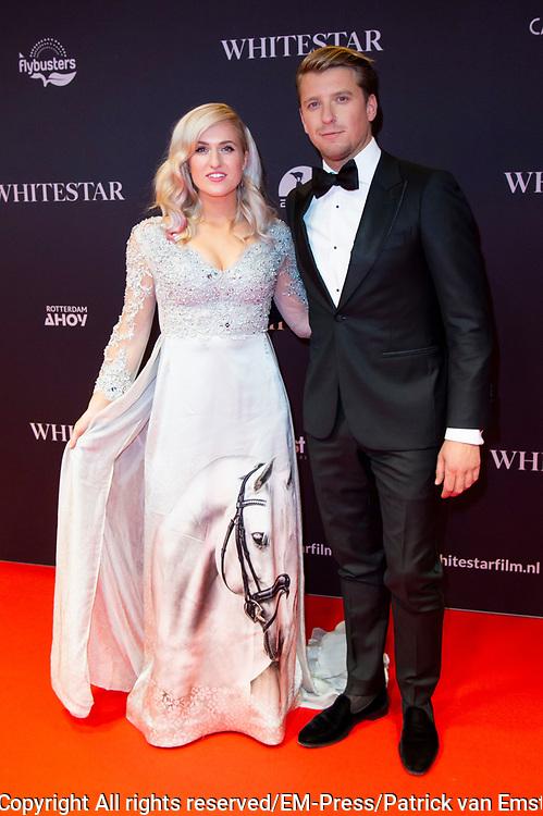 Feestelijke premiere Britt Dekkers Whitestar in Pathe Tuschinski.<br /> <br /> Op de foto:  Britt Dekker  en Bart Willemsen