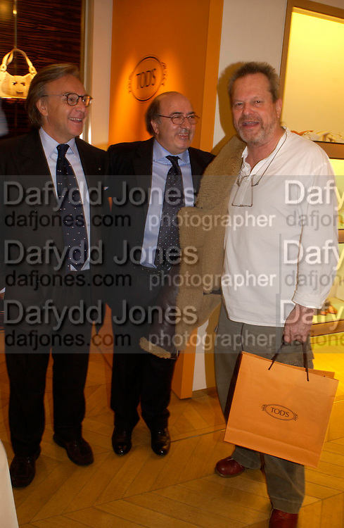 Diego della Valle, Dante Ferretti and Terry Gillian. Tod's hosts Book signing with Dante Ferretti celebrating the launch of 'Ferretti,- The art of production design' by Dante Ferretti. tod's, Old Bond St. 19 April 2005.  ONE TIME USE ONLY - DO NOT ARCHIVE  © Copyright Photograph by Dafydd Jones 66 Stockwell Park Rd. London SW9 0DA Tel 020 7733 0108 www.dafjones.com