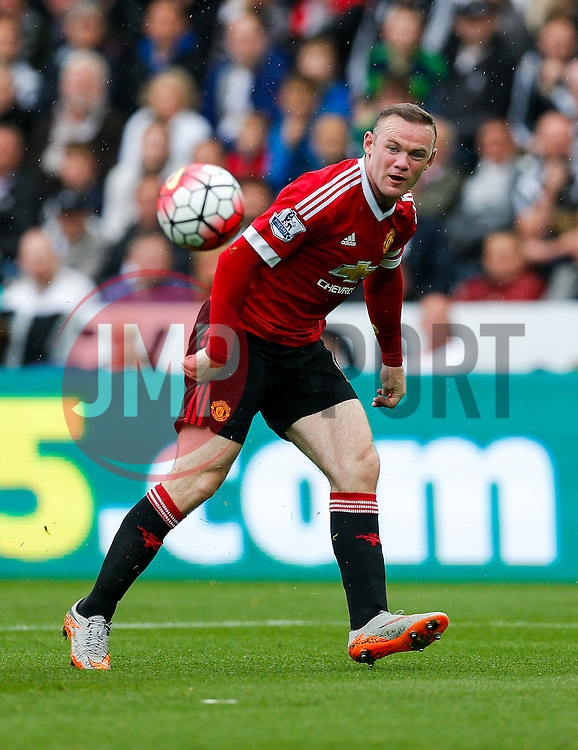 Wayne Rooney of Manchester United shoots - Mandatory byline: Rogan Thomson/JMP - 07966 386802 - 30/08/2015 - FOOTBALL - Liberty Stadium - Swansea, Wales - Swansea City v Manchester United - Barclays Premier League.