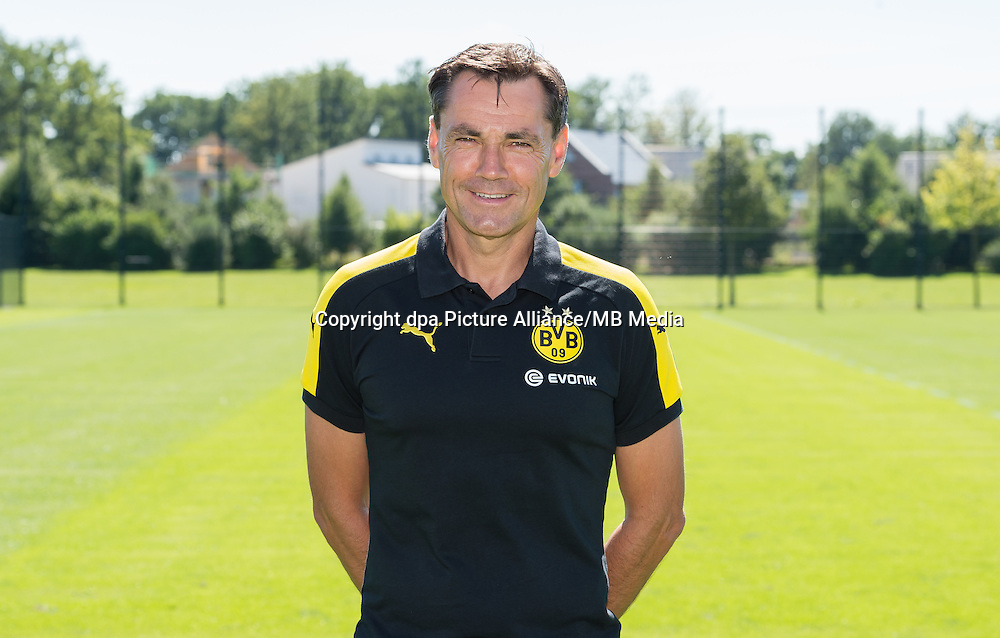 German Bundesliga - Season 2016/17 - Photocall Borussia Dortmund on 17 August 2016 in Dortmund, Germany: Assistanat coach Arno Michels. Photo: Guido Kirchner/dpa   usage worldwide