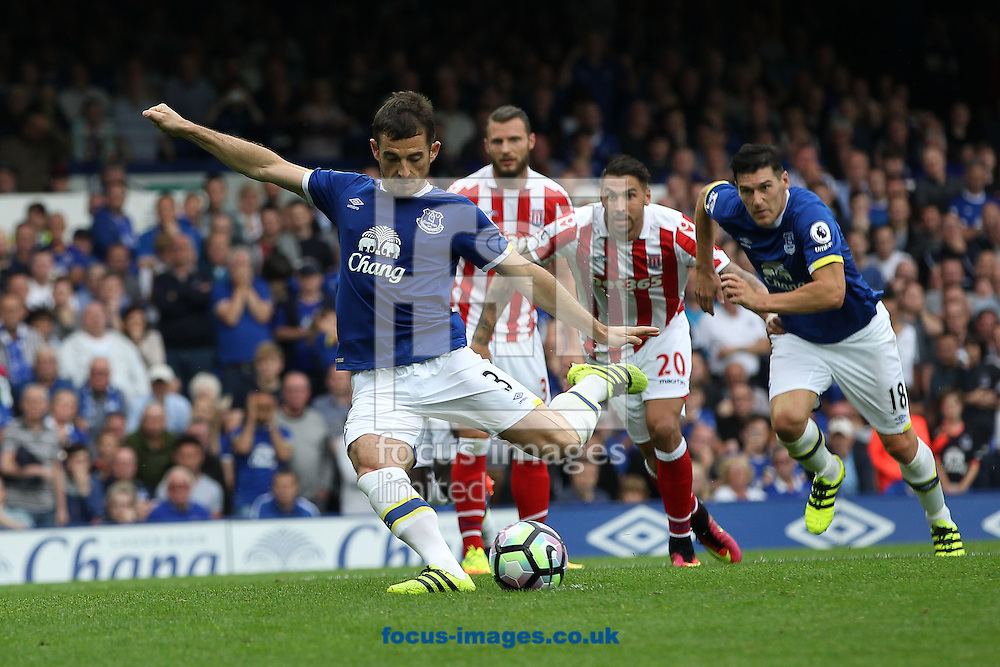 Leighton Baines of Everton scores the first goal from the penalty spot, against Stoke City during the Premier League match at Goodison Park, Liverpool.<br /> Picture by Michael Sedgwick/Focus Images Ltd +44 7900 363072<br /> 27/08/2016