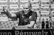 18-07-2015 VOETBAL:MOESKROEN-WILLEM II:MOESKROEN<br /> <br /> Jurgen Streppel tijdens de persconferentie (ZW) creatief<br /> <br /> Foto: Geert van Erven