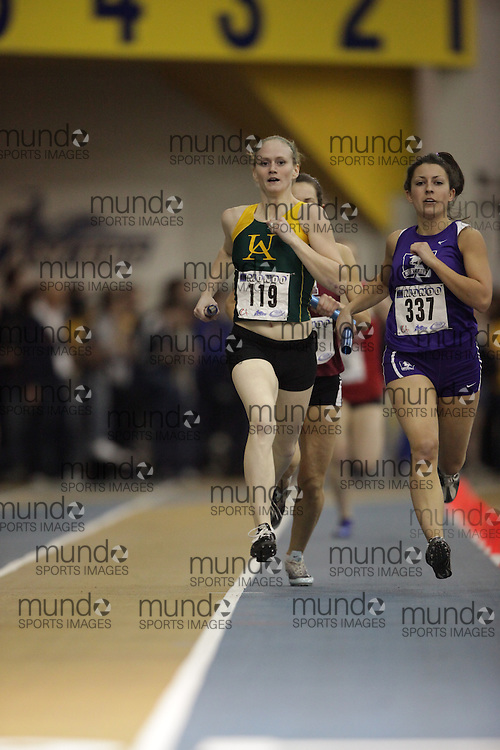 Windsor, Ontario ---13/03/09--- Lindsay Acheson of  the University of Alberta competes in the 4X800 metre relay at the CIS track and field championships in Windsor, Ontario, March 13, 2009..GEOFF ROBINS Mundo Sport Images