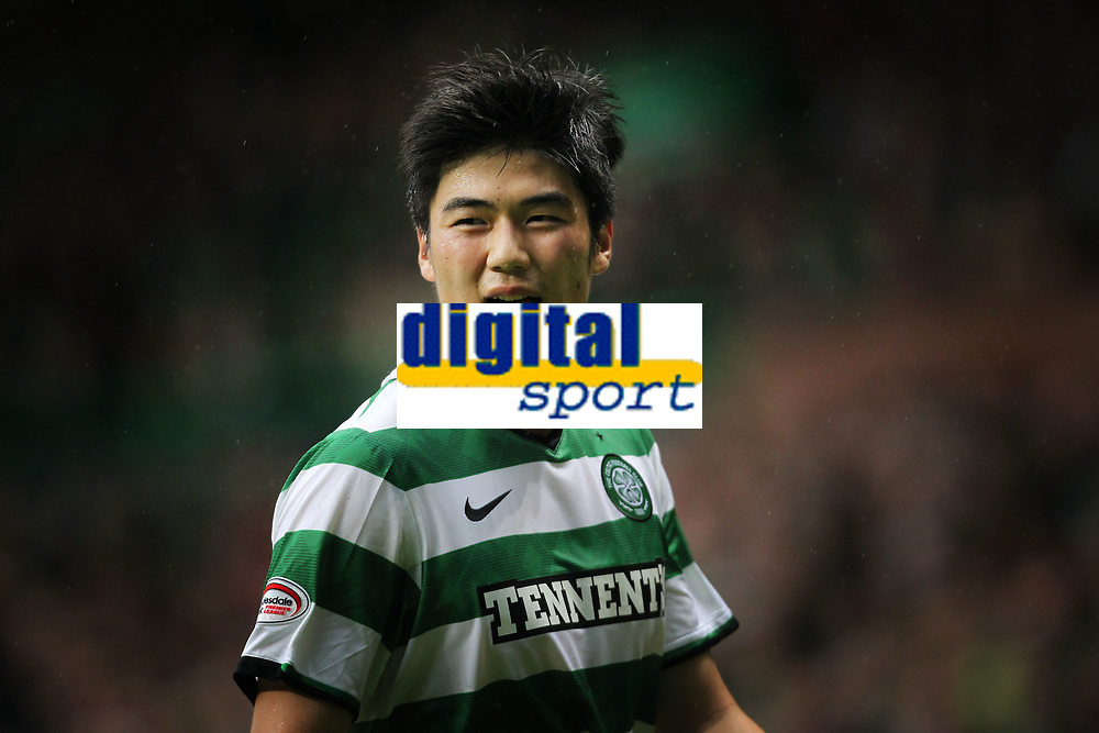 Football - Scottish Premier League - Celtic vs. Aberdeen<br /> <br /> Ki Sung Yeung of Celtic in action during the Celtic vs. Aberdeen Scottish Premier League match at Celtic Park, Glasgow on October 23rd 2011<br /> <br /> <br /> Ian MacNicol/Colorsport