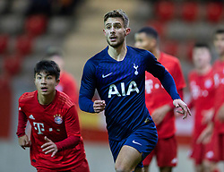 MUNICH, GERMANY - Wednesday, December 11, 2019: Tottenham Hotspur's substitute Maurizio Pochettino during the final UEFA Youth League Group B match between FC Bayern München and Tottenham Hotspur at the FC Bayern Campus. (Pic by David Rawcliffe/Propaganda)