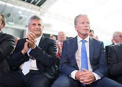 "01.07.2017, Design Center, Linz, AUT, ÖVP, 38. ordentlicher Bundesparteitag, mit Wahl von Bundesminister Kurz zum neuen Bundesparteiobmann, unter dem Motto ""Zeit für Neues - Zusammen neue Wege gehen"". im Bild die ehemaligen Parteichefs und Vizekanzler Michael Spindelegger und Reinhold Mitterlehner // f.l.t.r. former party leaders and vice chancellors Michael Spindelegger and Reinhold Mitterlehner during political convention of the Austrian People' s Party with election of Sebastian Kurz as the new party leader at Design Centre in Linz, Austria on 2017/07/01. EXPA Pictures © 2017, PhotoCredit: EXPA/ Michael Gruber"