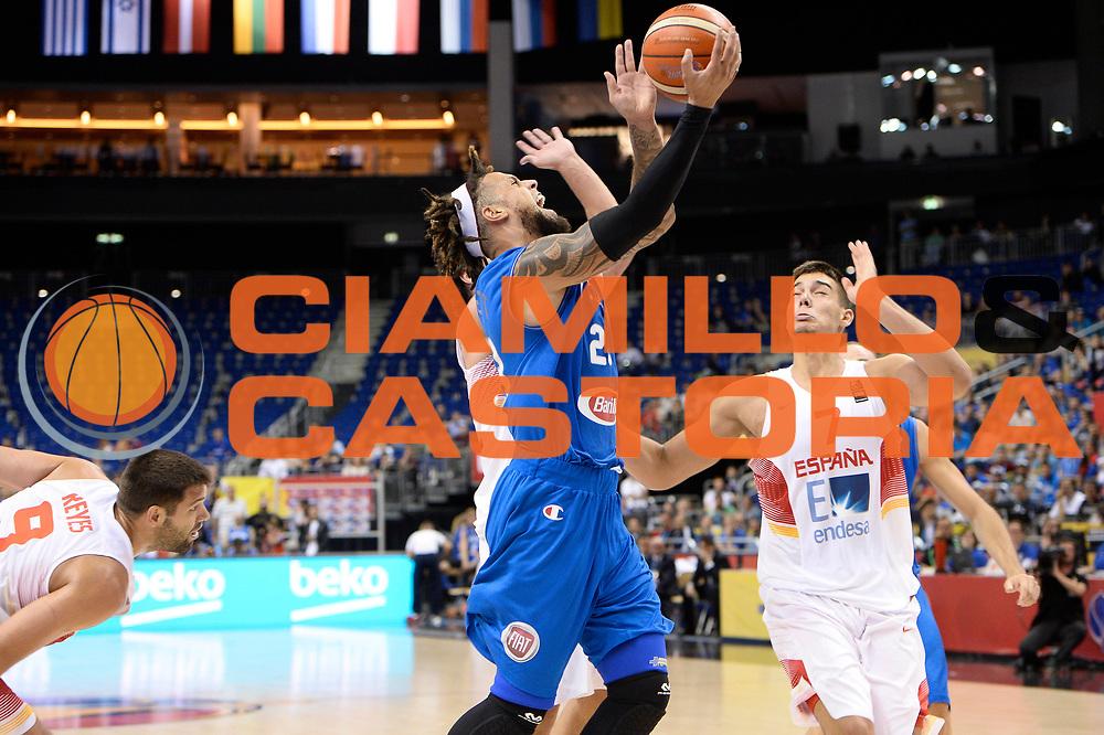 DESCRIZIONE : Berlino Berlin Eurobasket 2015 Group B Spain Italy<br /> GIOCATORE : Daniel Hackett<br /> CATEGORIA : sottomano<br /> SQUADRA : Italy<br /> EVENTO : Eurobasket 2015 Group B<br /> GARA : Spain Italy<br /> DATA : 08/09/2015<br /> SPORT : Pallacanestro<br /> AUTORE : Agenzia Ciamillo&shy;Castoria/I.Mancini<br /> Galleria : EuroBasket 2015<br /> Fotonotizia : Berlino Berlin Eurobasket 2015 Group B Spain Italy