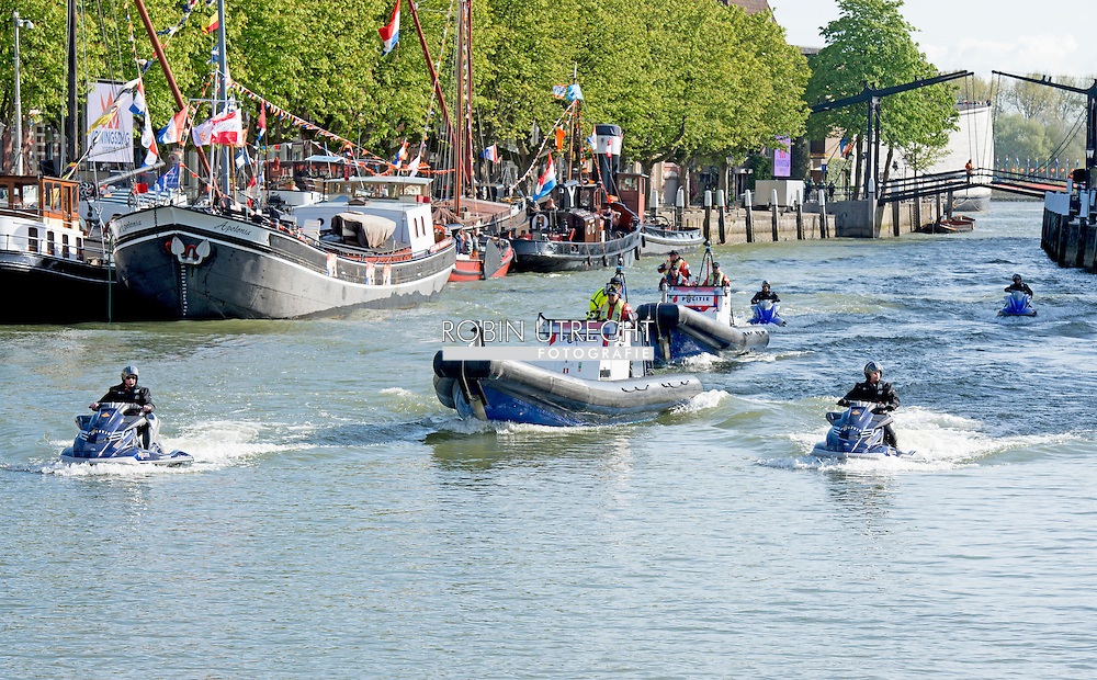 27-4-2015 DORDRECHT - Politie te water op een jetski tijdens de koningsdag. King's Day with Queen Maxima King Willem Alexander and Princess Amalia, Princess Alexia and Ariane. Princess Constantijn and Princess Laurentien, Princess Marilene and Prince Maurice, Prince Floris and Princess Aimee, Jaime Prince and Princess Viktoria. COPYRIGHT ROBIN UTRECHT<br /> 27-4-2015 DORDRECHT - Koningsdag met Koningin Maxima Koning Willem Alexander  en prinses Amalia , prinses Ariane en Alexia . Prinses Constantijn en Prinses Laurentien , Prinses Marilene en prins Maurits , prins Floris en prinses Aimee , Prins Jaime en prinses Viktoria . COPYRIGHT ROBIN UTRECHT
