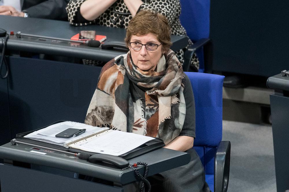 14 FEB 2019, BERLIN/GERMANY:<br /> Britta Hasselmann, MdB, B90/Gruene, 1. Parl. Geschaeftsfuehrerin, Bundestagsdebatte, Plenum, Deutscher Bundestag<br /> IMAGE: 20190214-01-019<br /> KEYWORDS: Bundestag, Debatte, Britta Haßelmann,