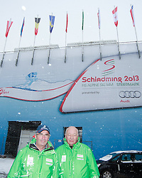29.01.2013, Schladming, AUT, FIS Weltmeisterschaften Ski Alpin, Schladming 2013, Vorberichte, im Bild zwei Volunteers, die als Chauffeure arbeiten, am 29.01.2013 // two volunteers, who work as car drivers, on 2013/01/29, preview to the FIS Alpine World Ski Championships 2013 at Schladming, Austria on 2013/01/29. EXPA Pictures © 2013, PhotoCredit: EXPA/ Martin Huber