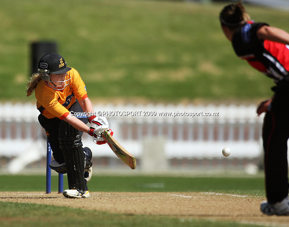 Wellington opener Lucy Doolan sweeps a shot to the boundary.<br /> State League 20/20 final. Wellington Blaze v Canterbury Magicians at Allied Prime Basin Reserve, Wellington. Saturday, 25 January 2009. Photo: Dave Lintott/PHOTOSPORT