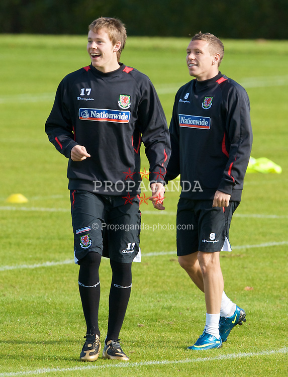 CARDIFF, WALES - Friday, October 10, 2008: Wales' Chris Gunter and Craig Bellamy during training at the Vale of Glamorgan Hotel ahead of the 2010 FIFA World Cup South Africa Qualifying Group 4 match against Liechtenstein. (Photo by David Rawcliffe/Propaganda)