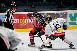 01.03.2016, Ice Rink, Znojmo, CZE, EBEL, HC Orli Znojmo vs Dornbirner Eishockey Club, Viertelfinale, 3. Spiel, im Bild v.l. Branislav Rehus (HC Orli Znojmo) Dustin Sylvester (Dornbirner) // during the Erste Bank Icehockey League 3rd quarterfinal match between HC Orli Znojmo and Dornbirner Eishockey Club at the Ice Rink in Znojmo, Czech Republic on 2016/03/01. EXPA Pictures © 2016, PhotoCredit: EXPA/ Rostislav Pfeffer