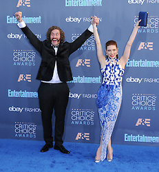 T. J. Miller, Kate Gorney  bei der Verleihung der 22. Critics' Choice Awards in Los Angeles / 111216