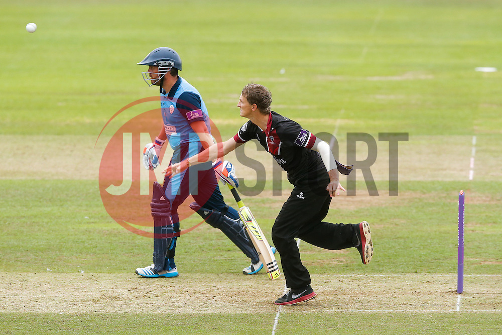 Max Waller of Somerset bowls - Mandatory byline: Rogan Thomson/JMP - 07966 386802 - 26/07/2015 - SPORT - CRICKET - Taunton, England - County Ground - Somerset v Derbyshire Falcons -Royal London One-Day Cup.