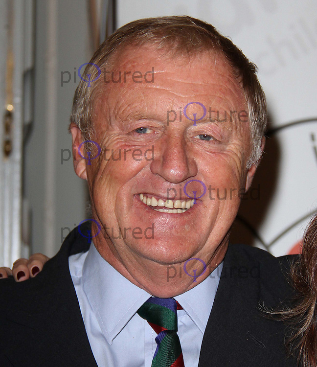 Chris Tarrant The Variety Club Status Quo Tribute Lunch, Dorchester Hotel, Park Lane, London, UK, 23 September 2010: For piQtured Sales contact: Ian@Piqtured.com +44(0)791 626 2580 (Picture by Richard Goldschmidt)