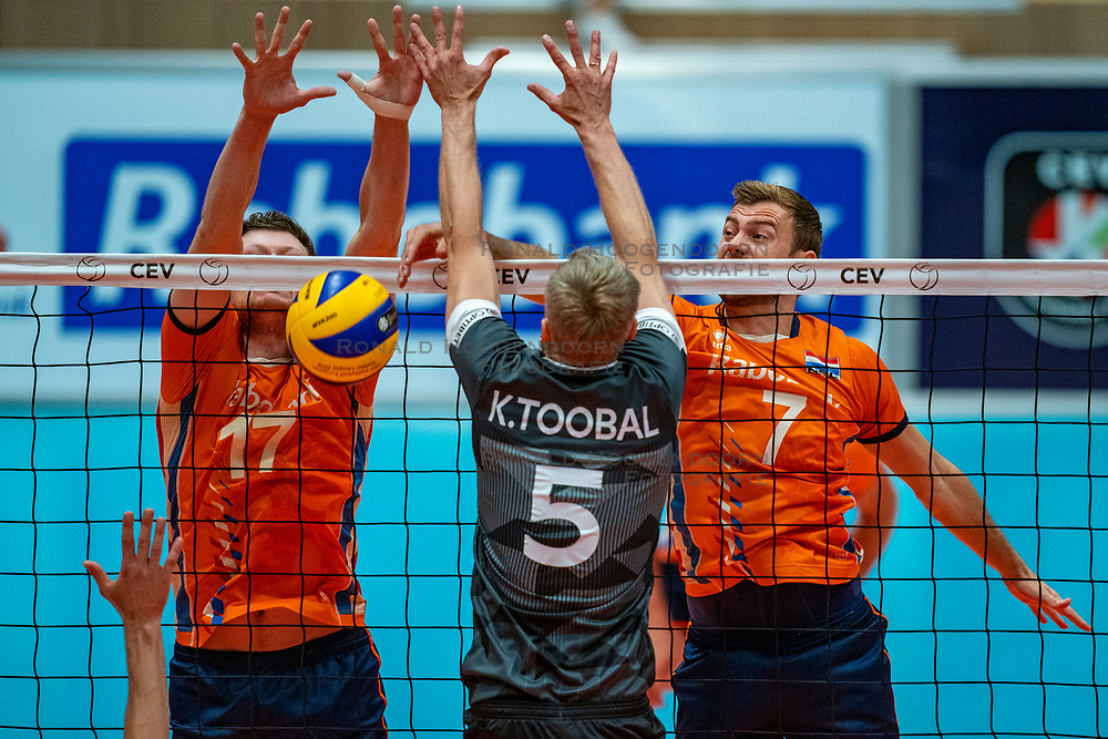 12-06-2019 NED: Golden League Netherlands - Estonia, Hoogeveen<br /> Fifth match poule B - The Netherlands win 3-0 from Estonia in the series of the group stage in the Golden European League / Michael Parkinson #17 of Netherlands, Kert Toobal #5 of Estonia, Gijs Jorna #7 of Netherlands