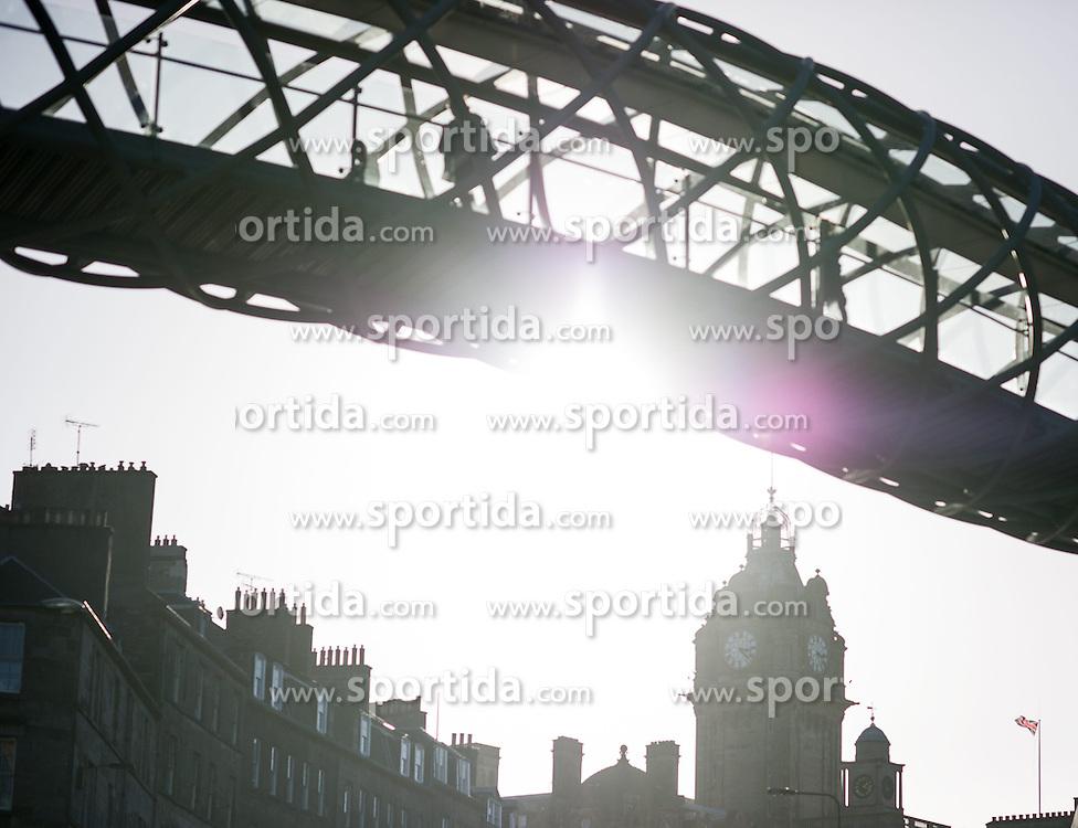 THEMENBILD - Schottlands Hauptstadt Edinburgh ist die zweitgrößte Stadt Schottlands. Aufgenommen am 27.10.2014 in Edinburgh, Schottland // Edinburgh, capital city of scotland. Edinburgh, Scotland on 2014/10/27. EXPA Pictures © 2014, PhotoCredit: EXPA/ Michael Gruber