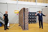Koning brengt werkbezoek aan Nederland Isoleert