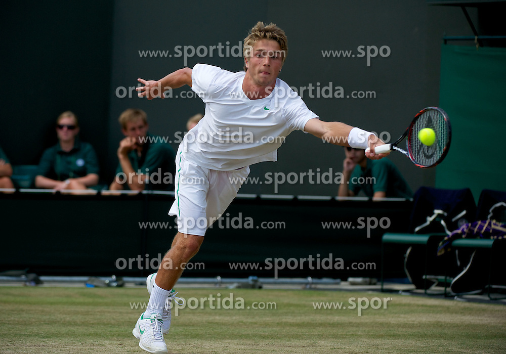 01.07.2011, Wimbledon, London, GBR, ATP World Tour, Wimbledon Tennis Championships, im Bild Liam Broady (GBR) in action during the Boys' Singles Semi-Final match on day eleven of the Wimbledon Lawn Tennis Championships at the All England Lawn Tennis and Croquet Club. EXPA Pictures © 2011, PhotoCredit: EXPA/ Propaganda/ David Rawcliffe +++++ ATTENTION - OUT OF ENGLAND/UK +++++