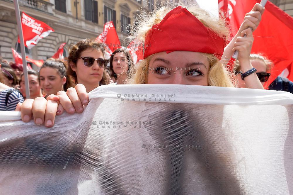 Roma 5 Maggio 2015<br /> Sciopero generale dei lavoratori della scuola e degli studenti  indetto da tutti i sindacati contro la riforma della scuola del governo Renzi soprannominata 'La Buona Scuola&quot;, gli insegnanti accusano il governo di agevolare la privatizzazione dell'istruzione.<br /> Rome May 5, 2015<br /> General strike of school workers and students organized by all trade unions against Renzi's school reform dubbed 'The Good School', teachers accuse of facilitating the privatisation of education.