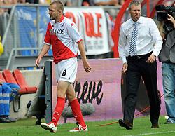 09-08-2009 VOETBAL: FC UTRECHT - WILLEM II: UTRECHT<br /> Utrecht wint met 1-0 van Willem II / Michael Silberbauer<br /> &copy;2009-WWW.FOTOHOOGENDOORN.NL